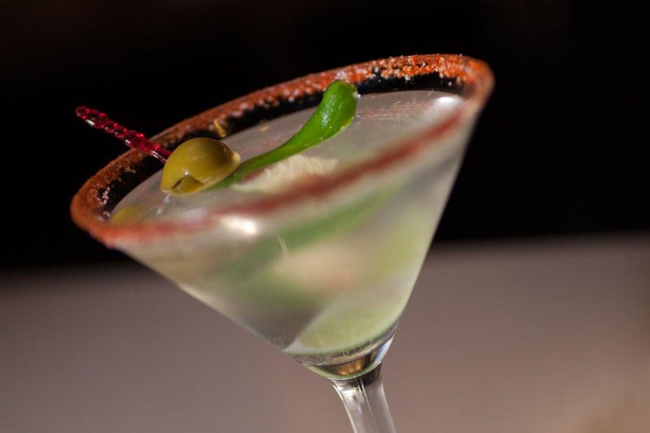 serrano-fire-martini-01